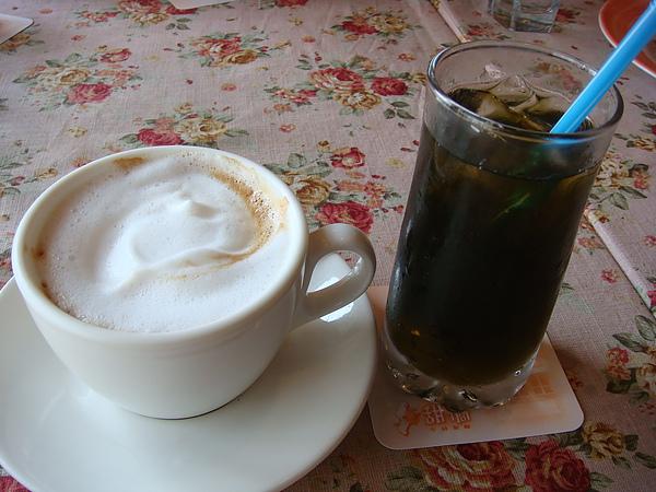 熱拿鐵&黑桔汁