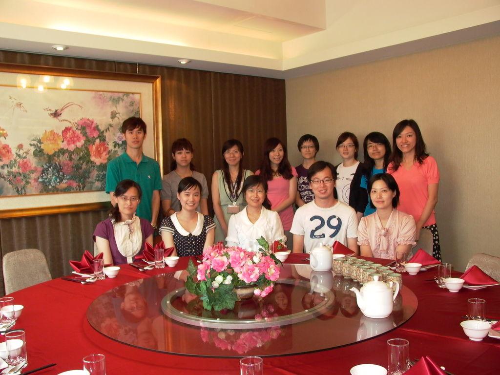 Lab438_薇鈞出國前一天_914_2011.JPG