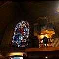 教堂琉璃窗.JPG