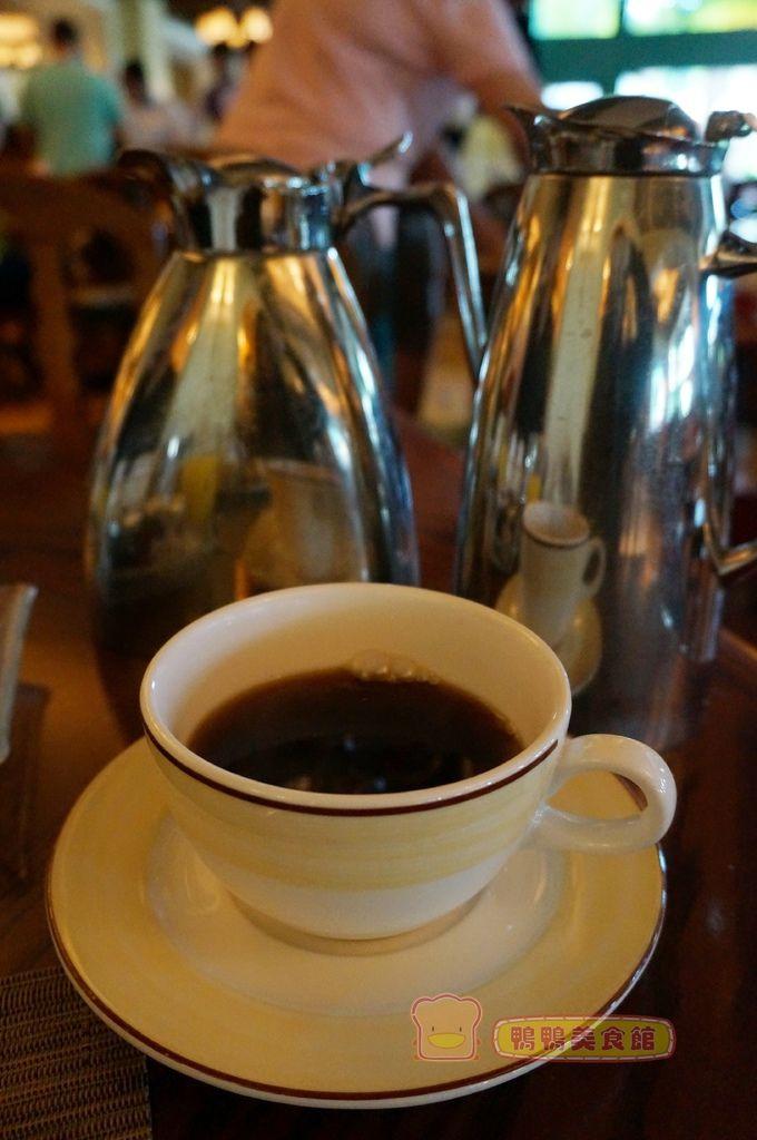 早餐咖啡茶桌邊