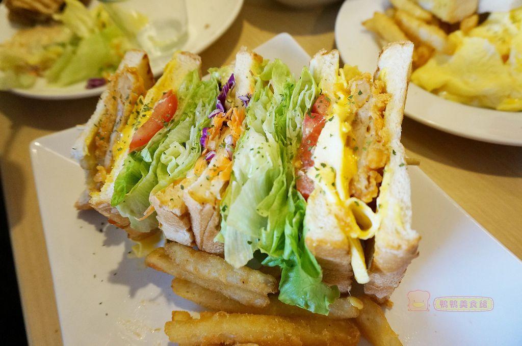 轟炸雞三明治