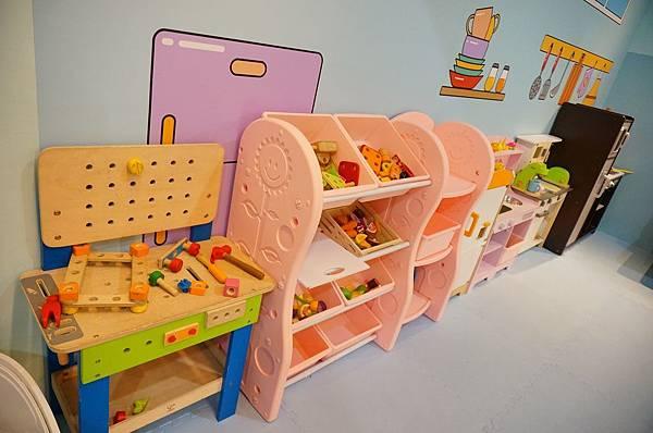 廚房遊戲區.JPG