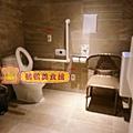 無障礙廁所.JPG