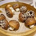 年夜飯的香菇豆沙包