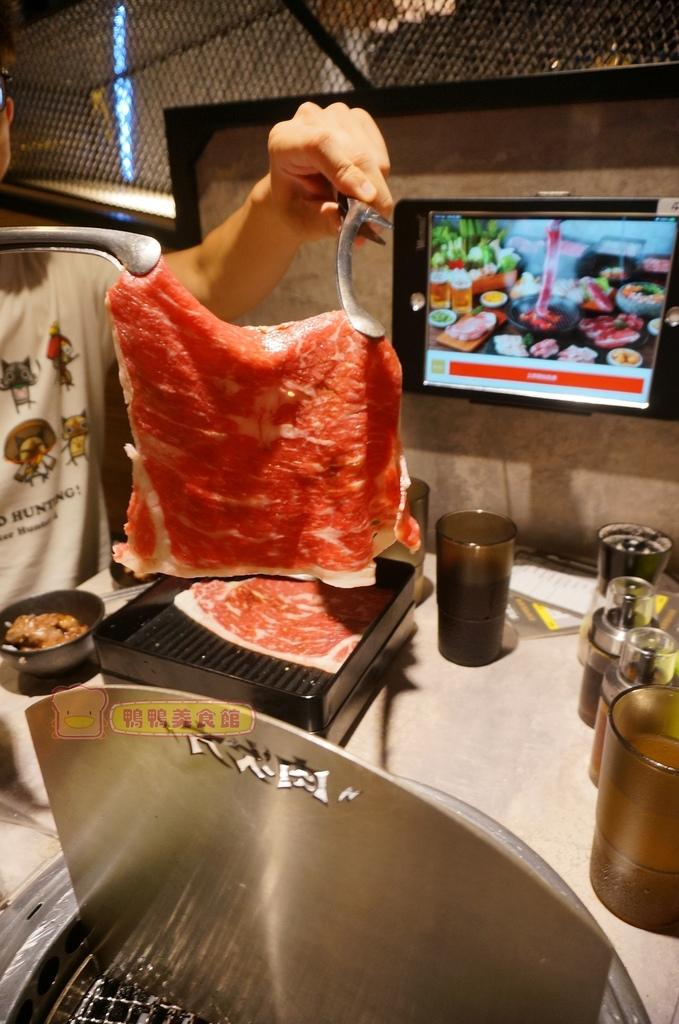 烤肉就像鋪毛巾XD.JPG