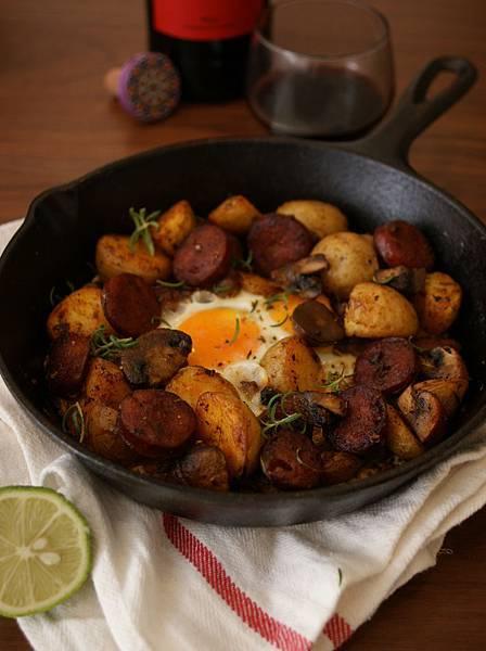 西班牙小酒館-辣腸菇菇馬鈴薯蛋