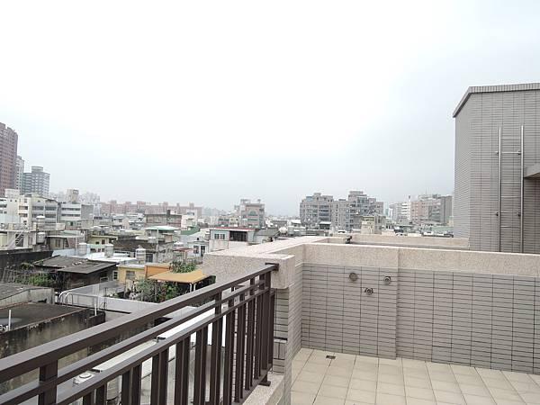 城北街全新電梯別墅-官9.JPG