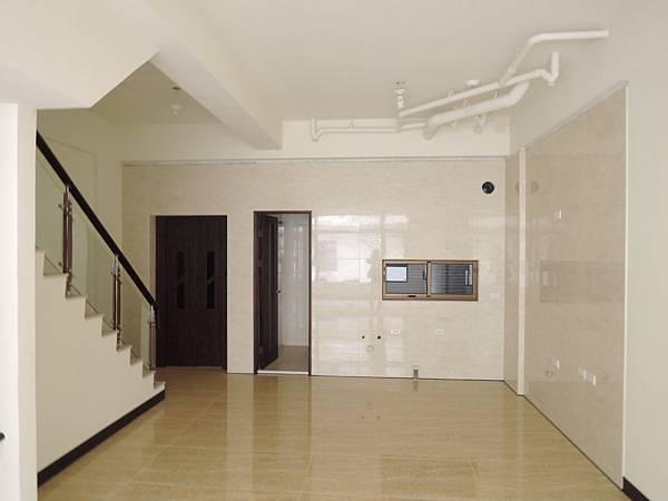 城北街全新電梯別墅-官2.JPG