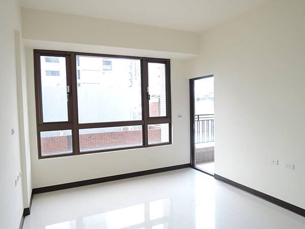 城北街全新電梯別墅-官5.JPG