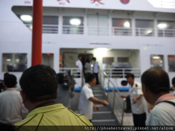 登船入口會再檢查一次船票/證件