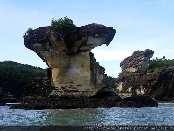 巴哥國家公園最著名的地標-眼鏡蛇岩
