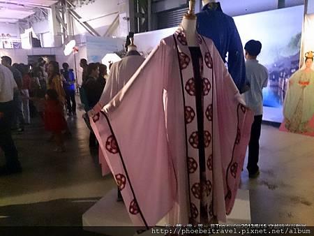 儘管漢服展示區的人氣沒有很熱烈,但細看的話,比例相當優美。