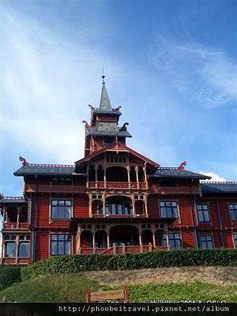 百年歷史的旅館,曾為奧運選手村,也是我們下榻之處。