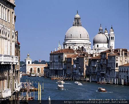 【怎樣拍都美~不用考慮構圖就是美】 最浪漫的水都,海上絲路的終點,卻是今日旅行最美的中繼點!  義大利出發參考推薦:http://goo.gl/vapTlS