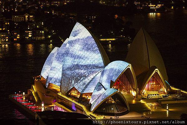Vivid%20Sydney%202014%20Opera%20House%20view%20James%20Horan%20DNSW%20015