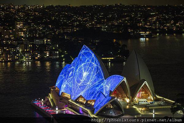Vivid%20Sydney%202014%20Opera%20House%20view%20James%20Horan%20DNSW%20039