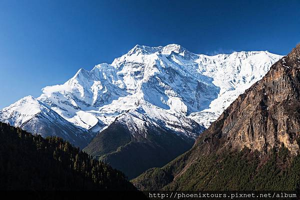 尼泊爾雪山shutterstock_143691826