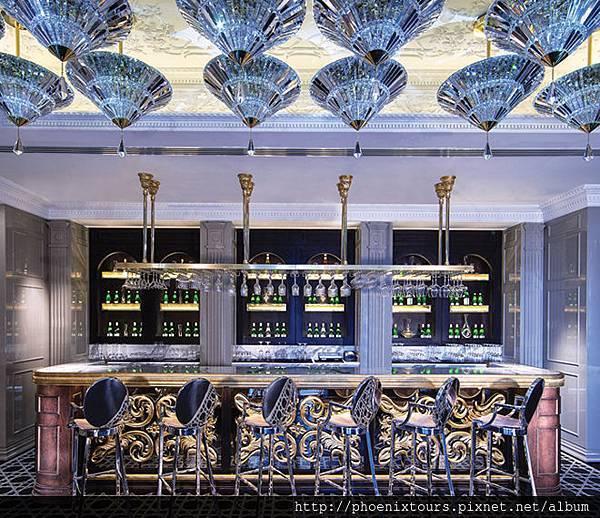Jumeirah_at_Etihad_Towers_-_Brasserie_Ang_lique_-_Bar