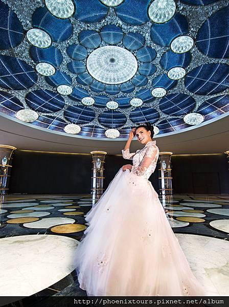 Jumeirah_at_Etihad_Towers_-_Oculus_-_Bride_