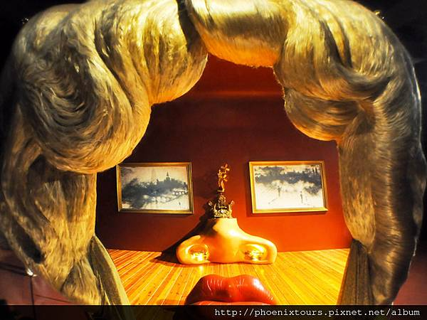 © Lornet  Dreamstime.com - FIGUERES, SPAIN-AUGUST 6 The Mae West Room In Dali Theatre On August 6,2009 In Figueres. Photo