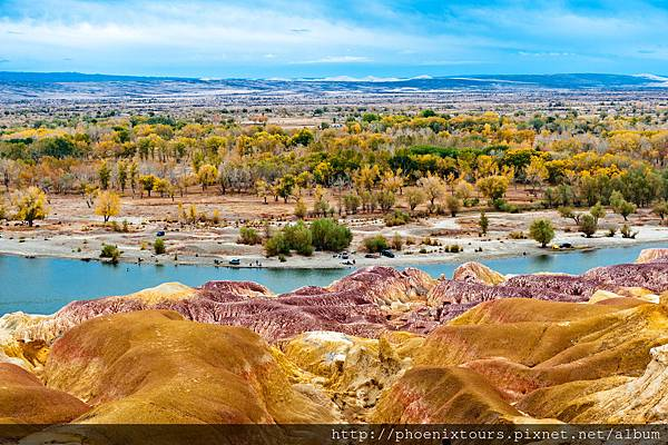 北疆五彩灘風景區