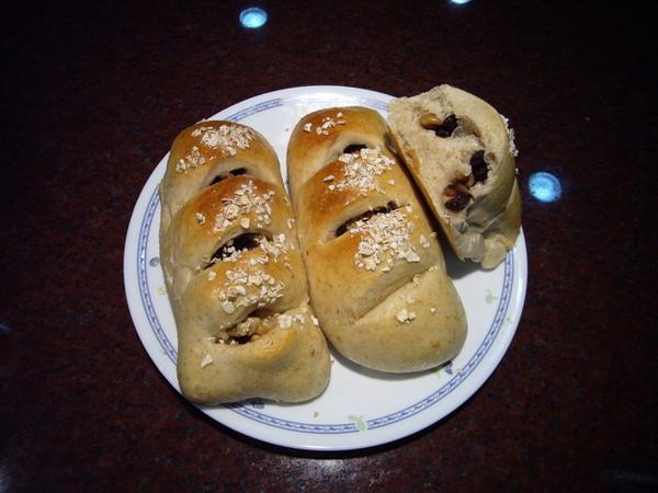 96.5.19全麥葡萄乾核桃麵包