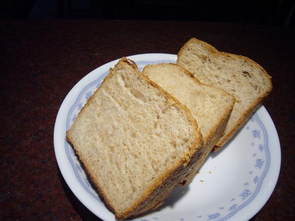 96.7.5黃金麥粉鮮奶吐司