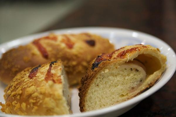 97.3.22培根起司麵包