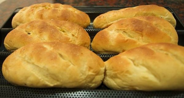 98.2.21咖哩麵包