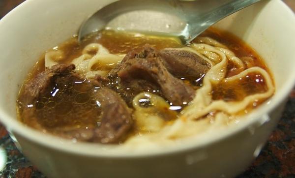98.3.30紅燒牛肉麵