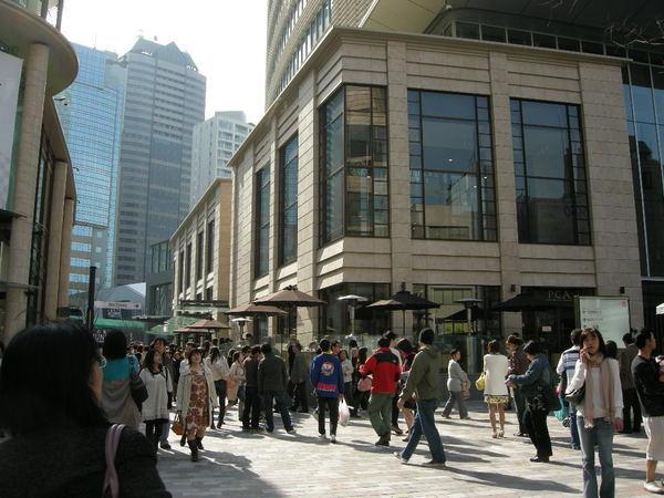 TBS電視台旁的東京新地標 赤坂サカス(Akasaka Sacas)