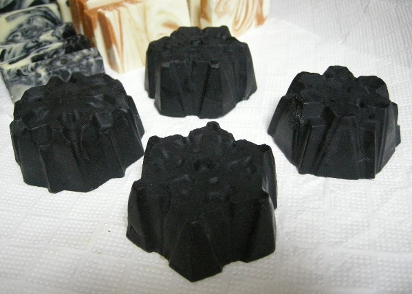 No.20 ☆ Black and White Snowflake Balanced Soap-081204-2.jpg