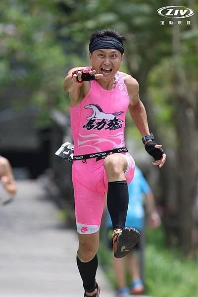 20150425 CHALLENGE TAIWAN 113 國際鐵人賽 路跑 陳彥良相片 by 陳俊瑋 2.jpg