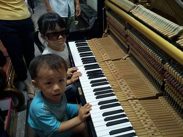 確定琴能用再搬-娘家的鋼琴00