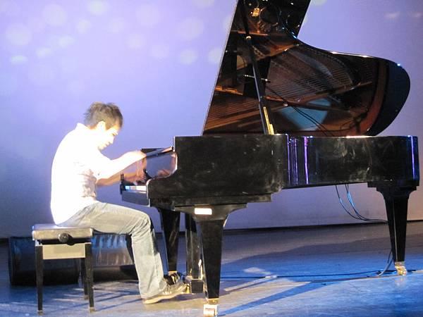 【陳冠宇鋼琴獨奏會】台南社教館SCHIMMEL鋼琴調音part.3-08