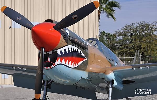 Curtis P-40 Flying Tiger