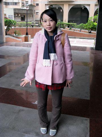 2009.11.20 上班嚕~社區內拍一張!