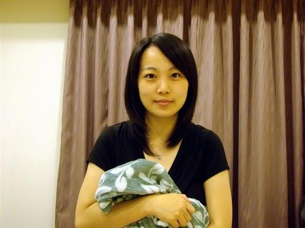 2009.07.24 豬爸幫豬媽拍下素顏照 還是很可愛ㄅ