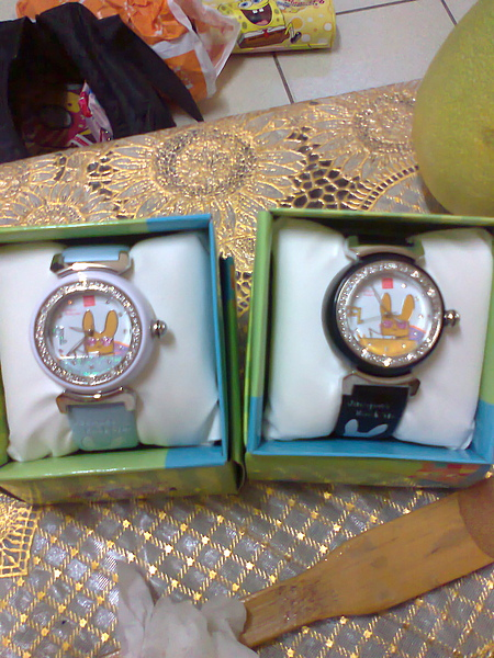姐解送我的手錶,黑是他的白是我的
