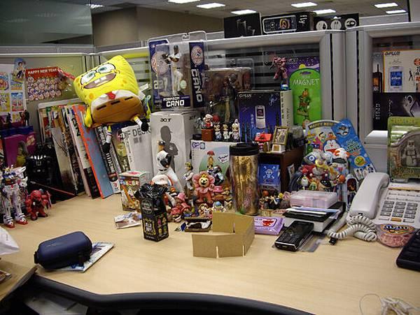 辦公室桌上-整理前2