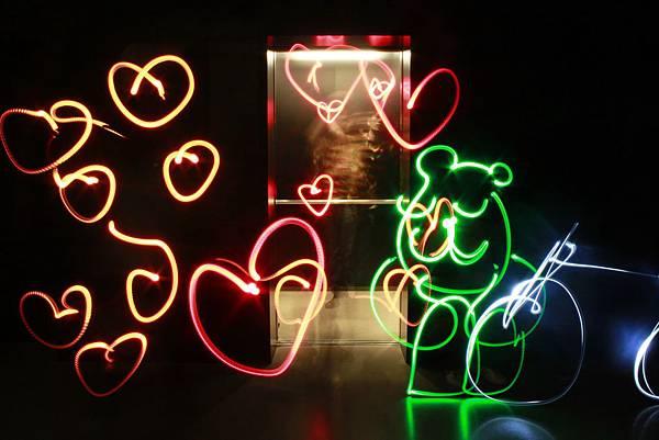 好多愛心阿~大熊先生很開心
