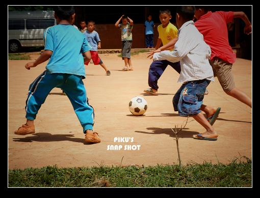 育群國小…足球