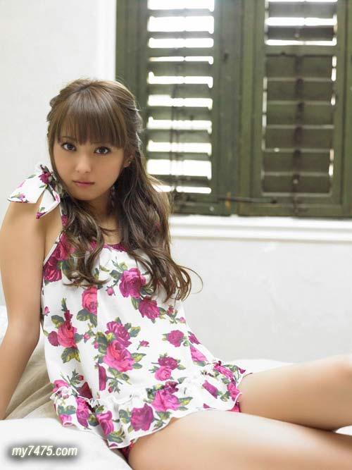 日本最正的女模佐佐木希04.jpg