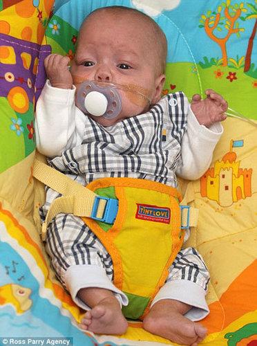 英國最早產嬰兒.jpg