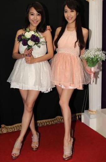 雙胞胎女星依依+佩佩-03.jpg