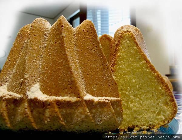 杏仁雞蛋甜酒棒蛋糕