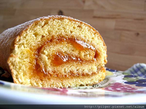 杏桃香草蛋糕卷