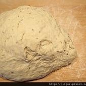 核桃黑麥麵包