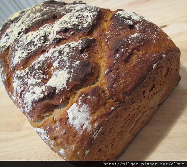[酸麵種]黑麥小麥雜糧麵包