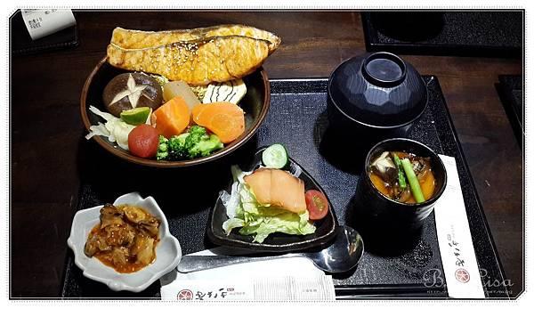 八板丼屋 - 03.jpg